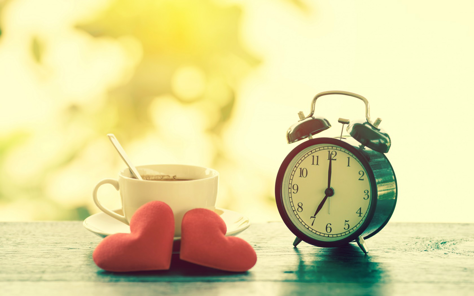 Coffee Cup Red Hearts Analog Alarm Clock HD Wallpaper - Canada Life